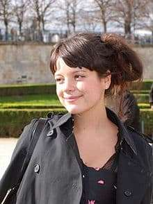 lily allen smiling